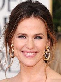 Jennifer garner hoop earrings